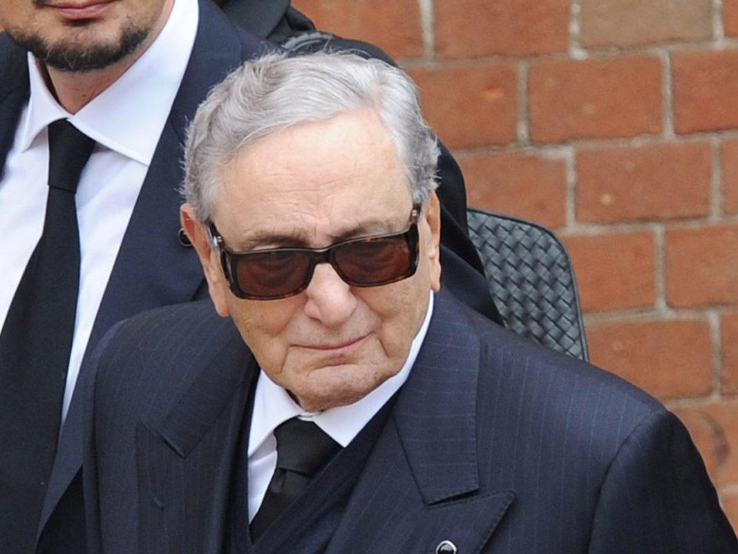 Michele Ferrero con occhiali