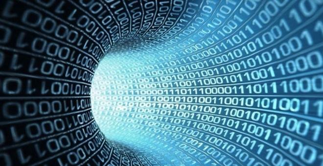 machine learning rappresentato da un tunnel fatto di codice binario