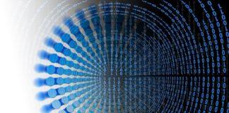 codice binario organizzato in una spirale per rappresentarecreatività