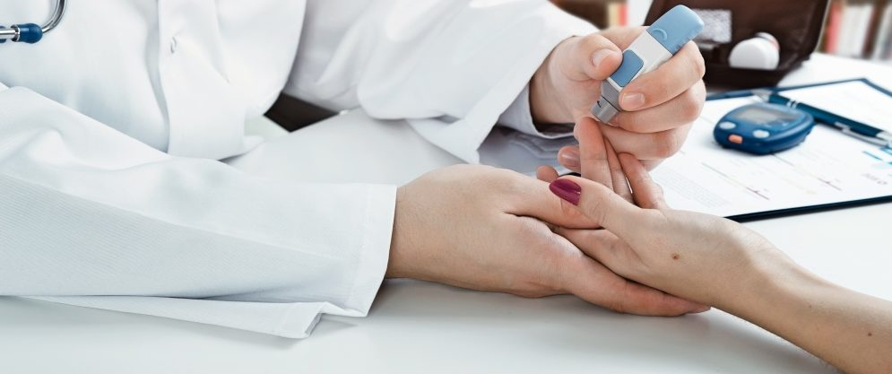 esame per il calcolo di insulina per il controllo sul diabete