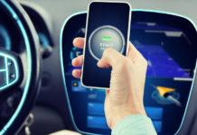 guida autonoma di un auto collegata ad uno smartphone