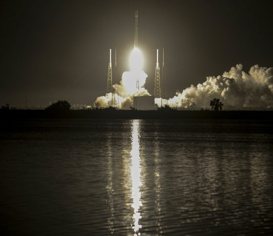 Falcon 9 APTOPIX Satellite Launch